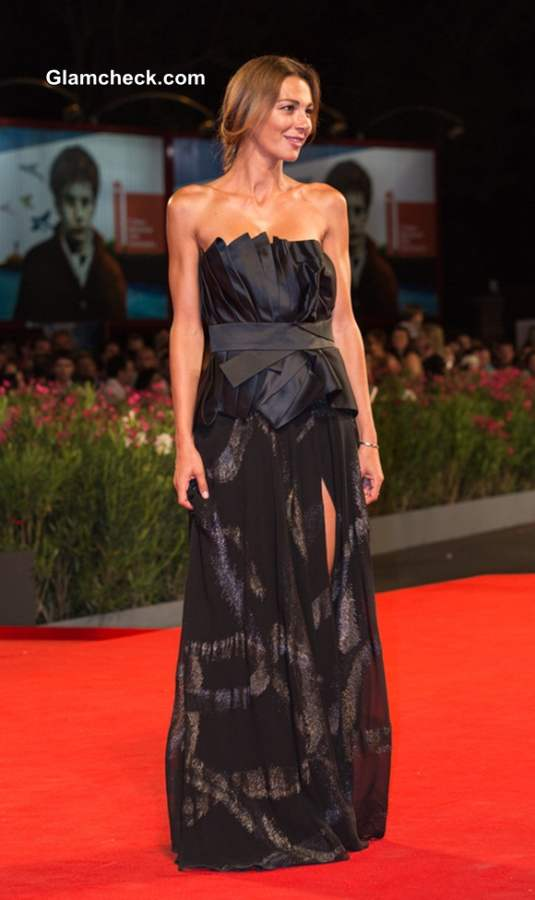 Linda Santaguida in a Black Gown at The Humbling premiere