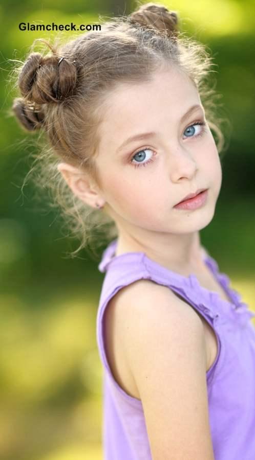 Little Girls Hairstyle Multiple Mini Buns