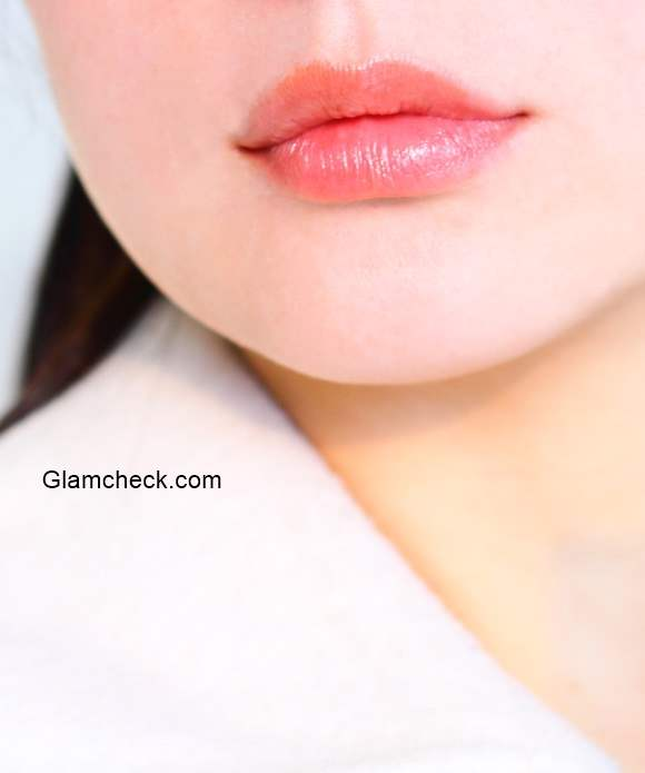 How to Get Your Lips Back to Their Natural Colour