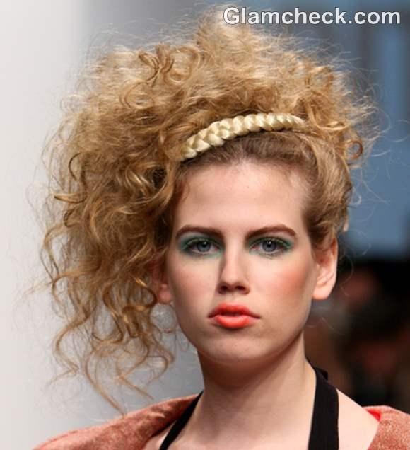 Hairstyle DIY - Big Curly updo with a wraparound Braid