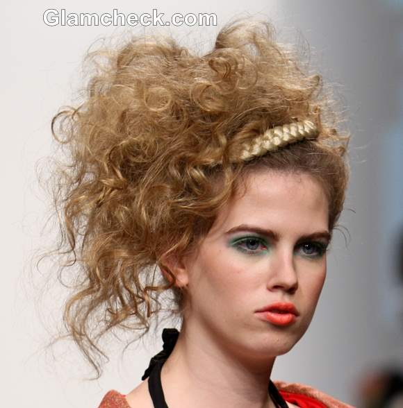 Hairstyle DIY - Big Curly updo with a wraparound Priti by Design Presentation