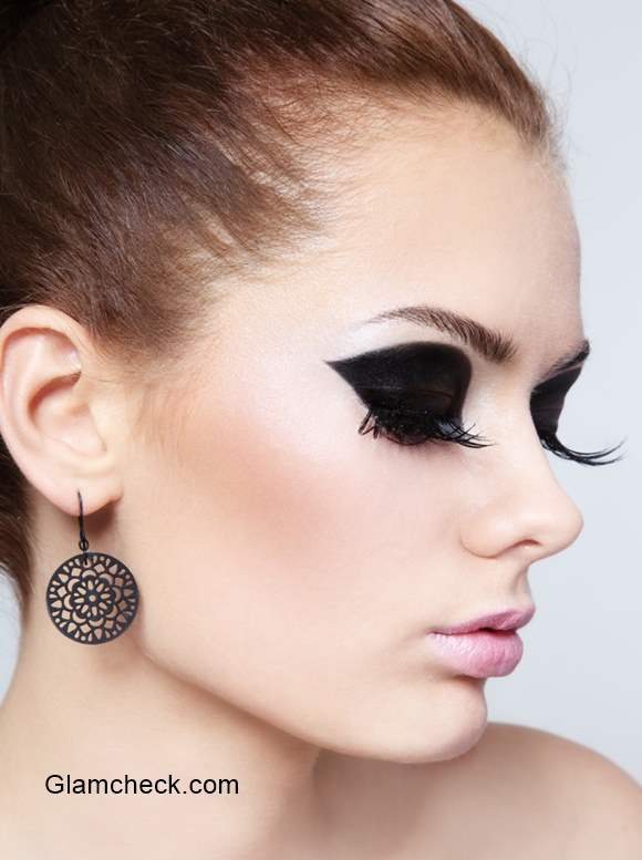Black Eyeshadow How To