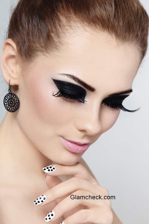 Intense Black Eyeshadow Get The Look And Learn How To