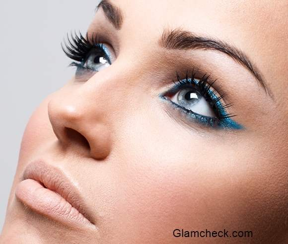 Blue Eyeliner - Winged Cat Eyes