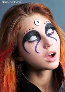 Halloween Makeup – Scary Zombie White Eyes