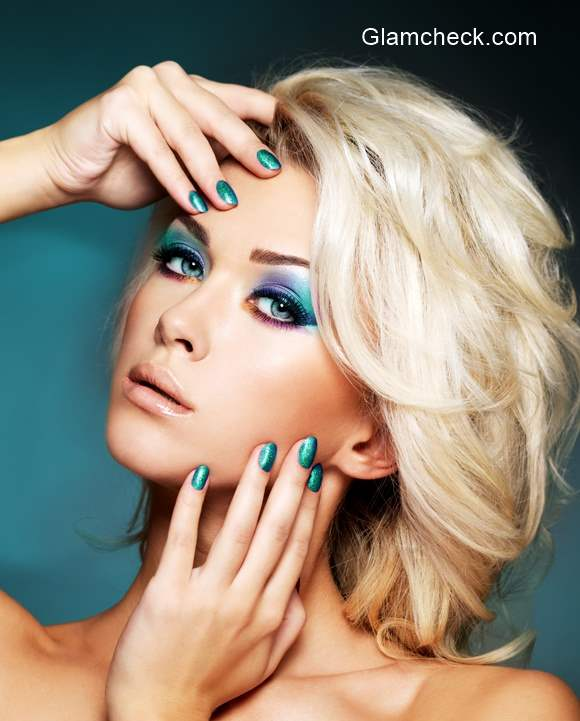 Holidays Eye Makeup