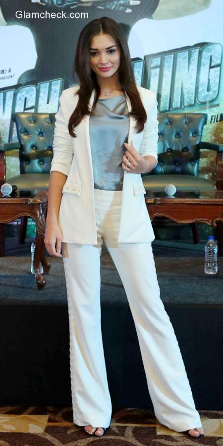 Womens White Suit - Amy Jackson goes Corporate Chic