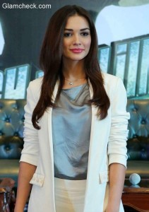 Womens White Suit – Amy Jackson goes Corporate Chic