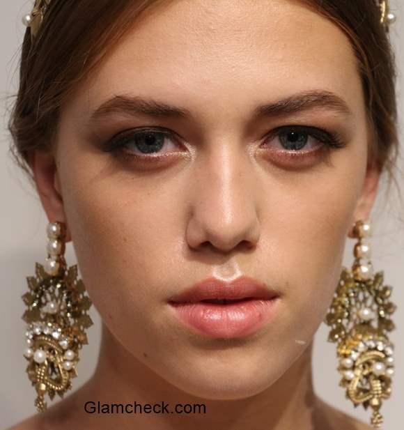 Bridal Makeup Trends 2016 Coral Lips