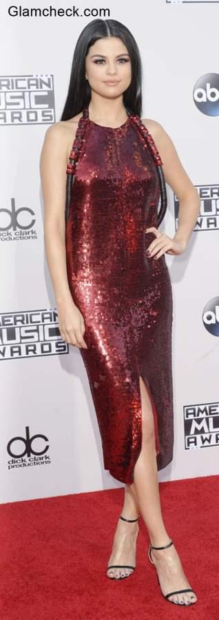 Selena Golmez goes Backless  at 2015 AMA