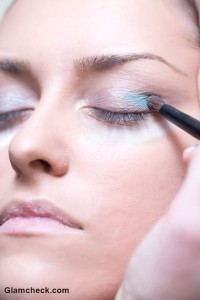 Soft Blue Smokey Eyes – Eye Makeup Tutorial