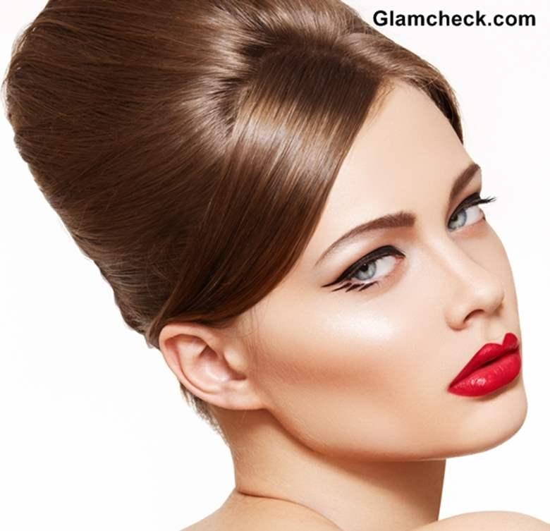 Dramatic Winged Eyeliner makeup
