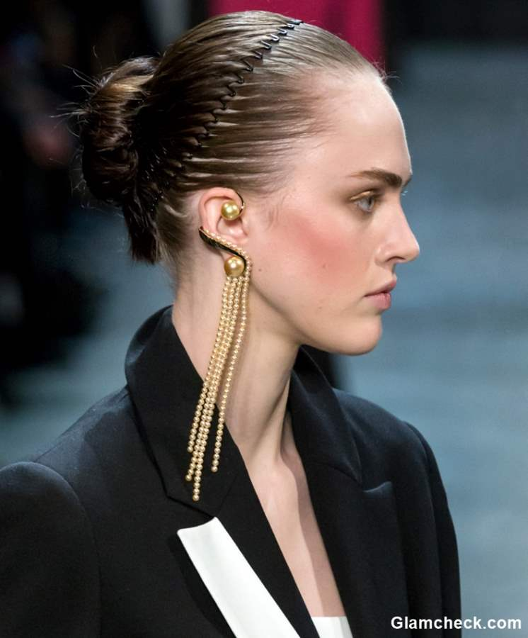 Hair Trend 2018 - The Comb Headbands at Prabal Gurung FW 2018