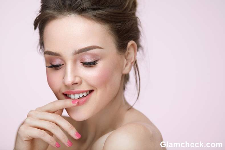 How to Naturally Colour Your Lips Pink