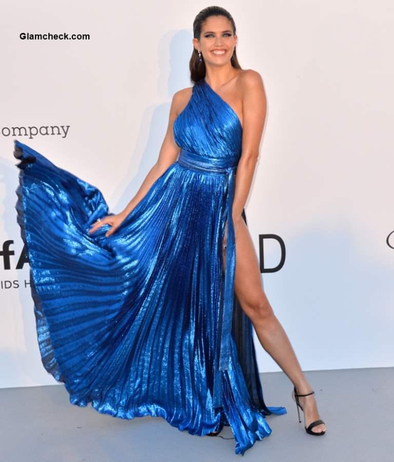 Sara Sampaio in Thigh High Slit Gown 2018 Cannes