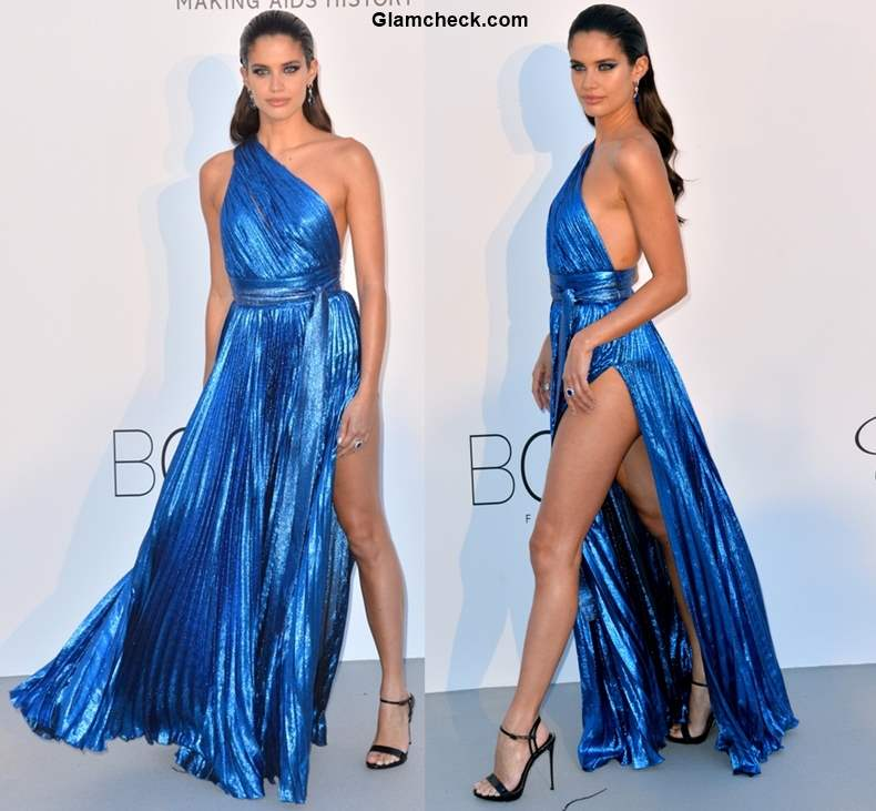 Thigh High slit gowns trend 2018