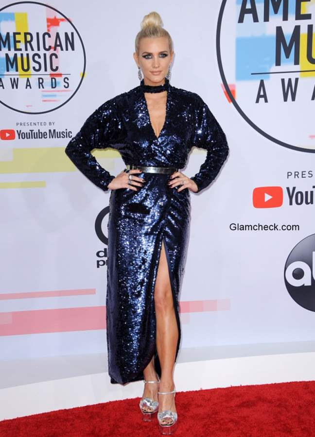 Ashlee Simpson in Monique Lhuillier at 2018 American Music Awards